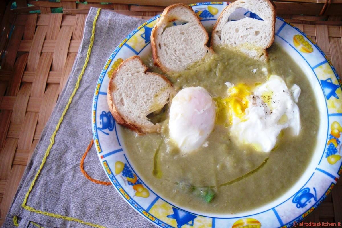 Vellutata di asparagi con uova in camicia di Jamie Oliver