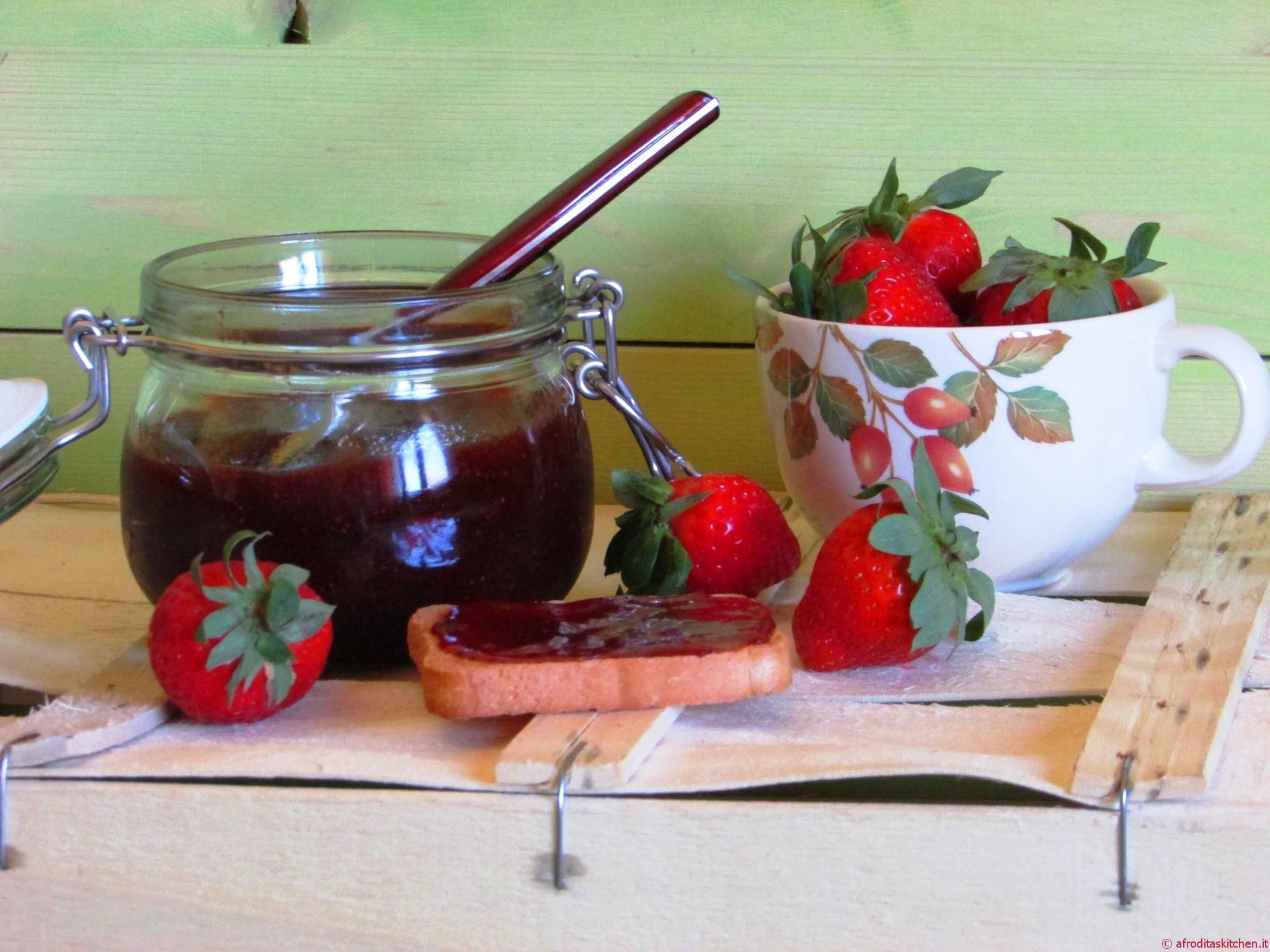 Confettura di fragole e zenzero