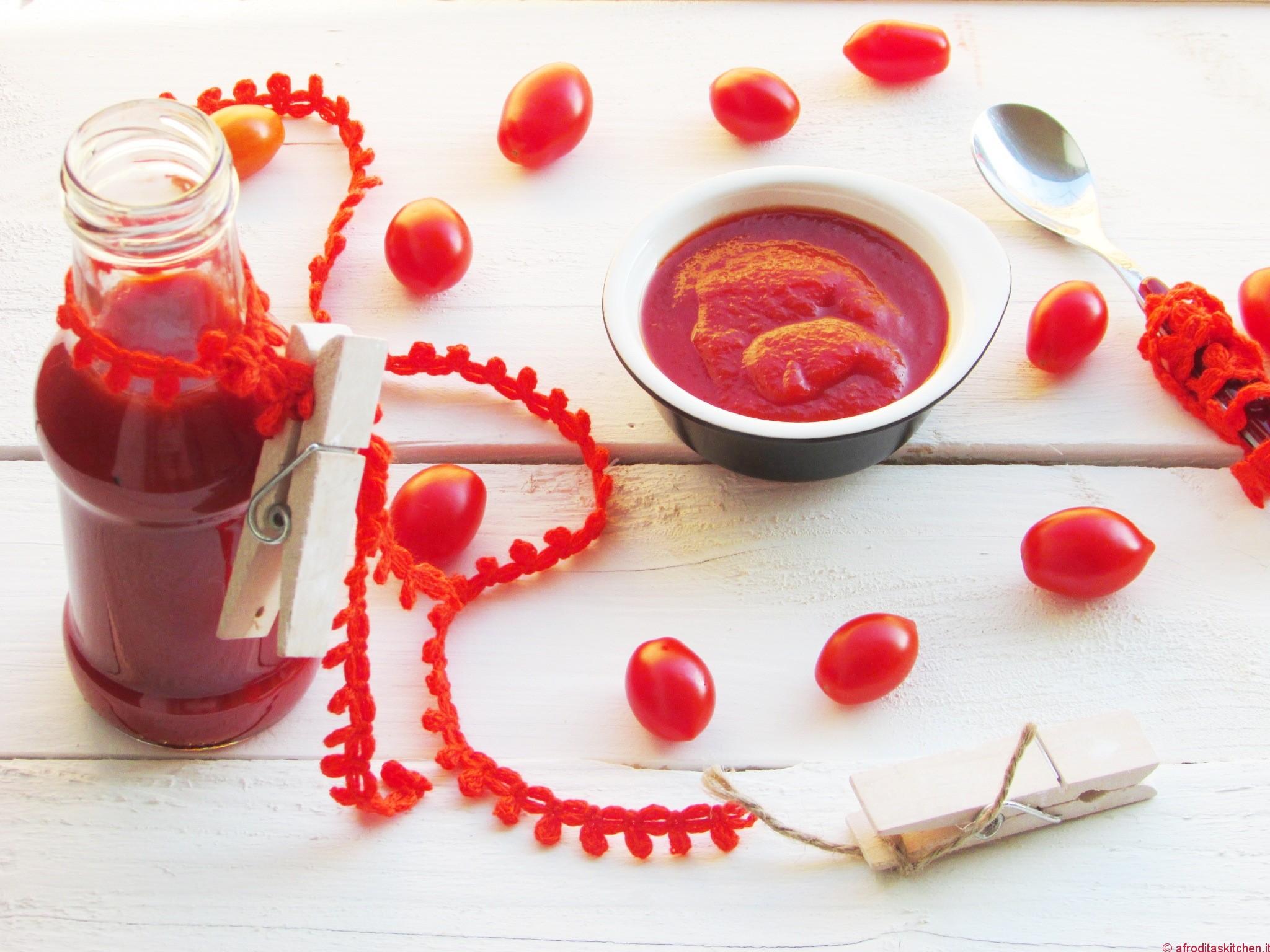 Ketchup aromatico fatto in casa con pomodori dell'orto di Davide