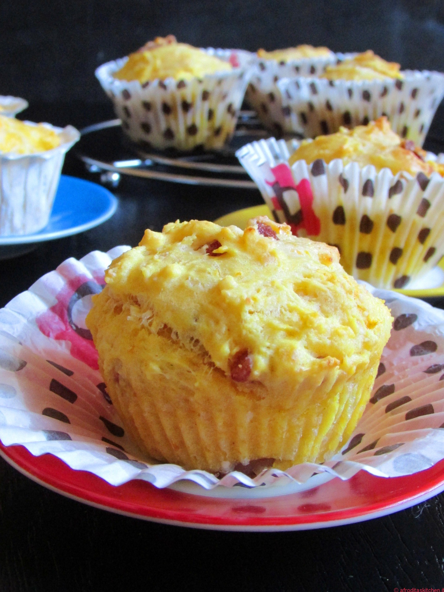 Muffins salati alla zucca con pancetta, pepe nero ed erba cipollina