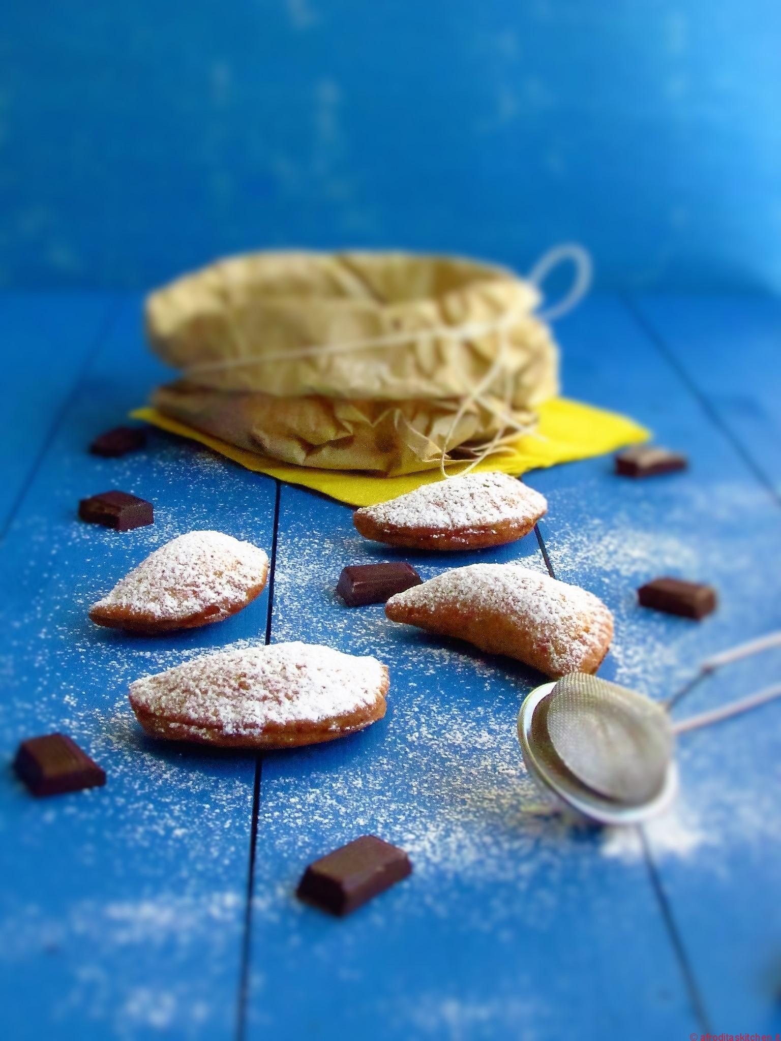 Ravioli dolci siciliani con ricotta e cioccolato