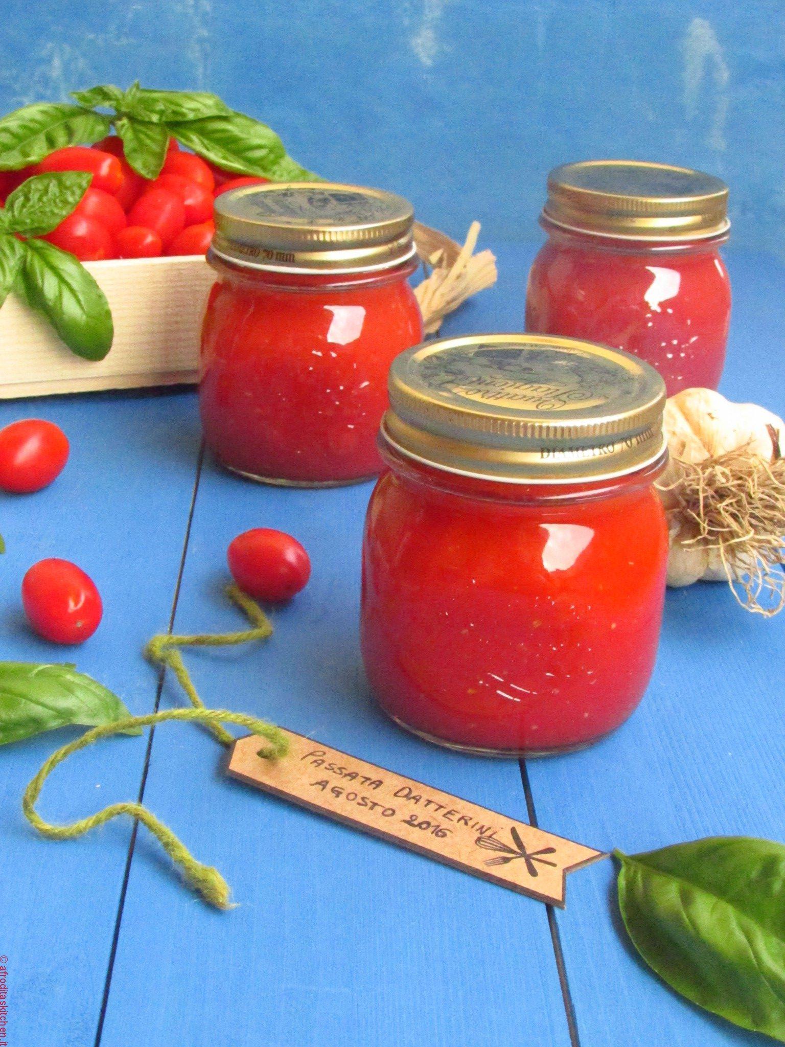 Passata di pomodori datterini