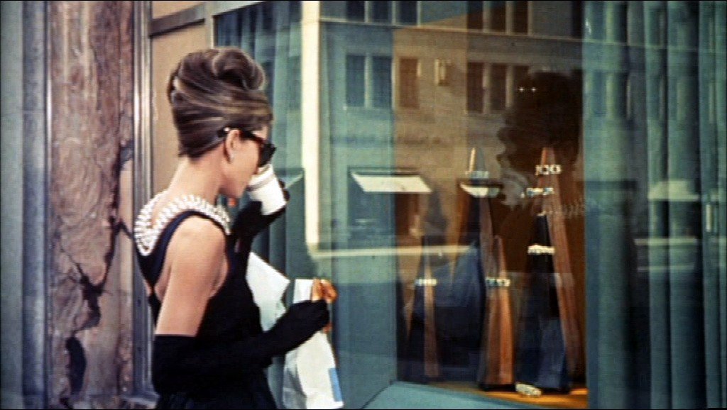 audrey_hepburn_in_breakfast_at_tiffanys